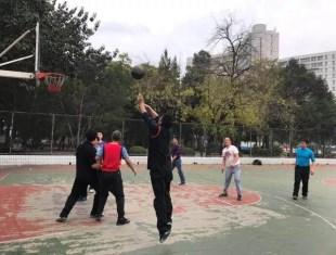 喊你来京平篮球队找到你的科比和姚明啦!